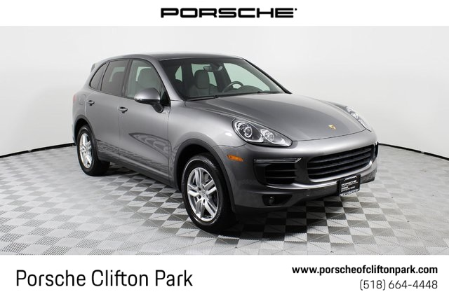 Certified Pre-Owned 2017 Porsche Cayenne Base
