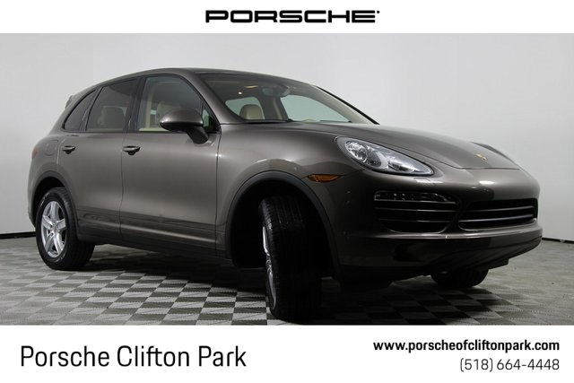 Certified Pre-Owned 2014 Porsche Cayenne Base